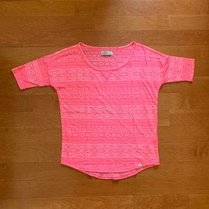 neon pink holister t-shirt small, super cute